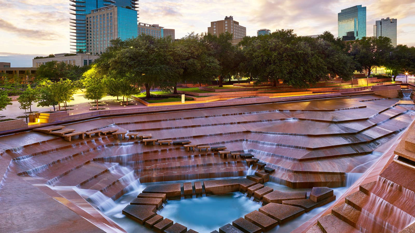 Fort worth water gardens sheraton fort worth downtown hotel for The water garden